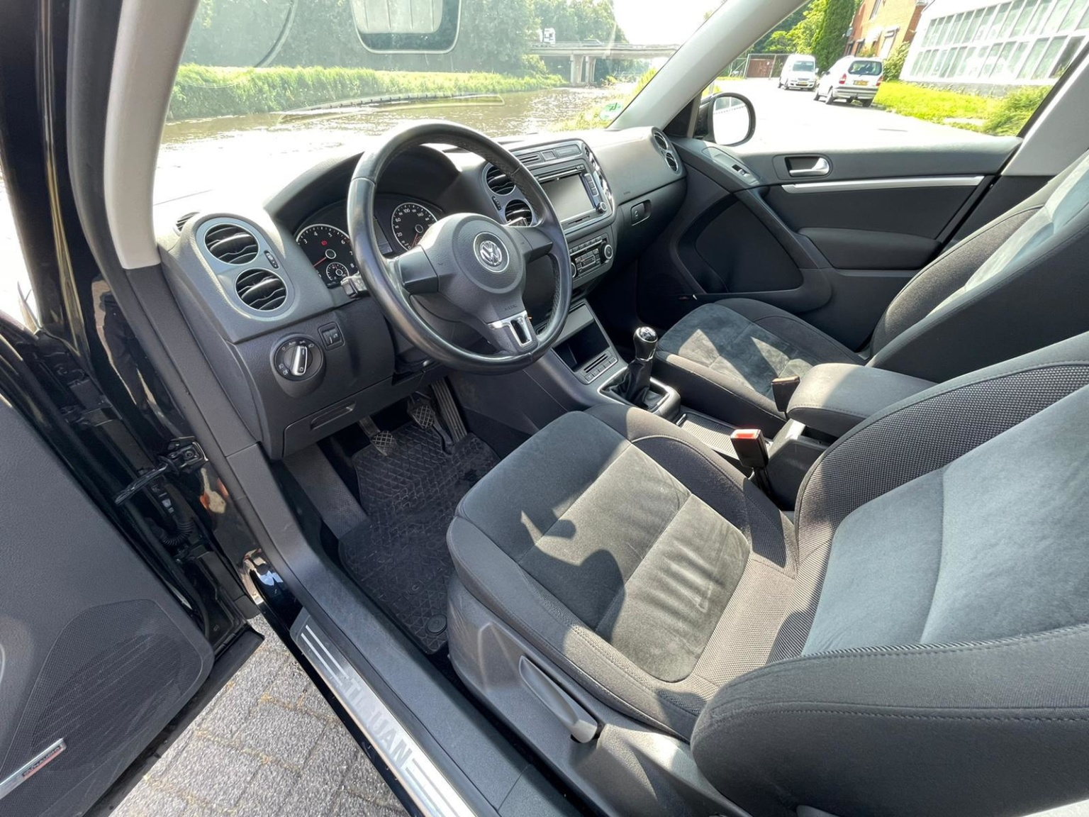 Volkswagen-Tiguan-17