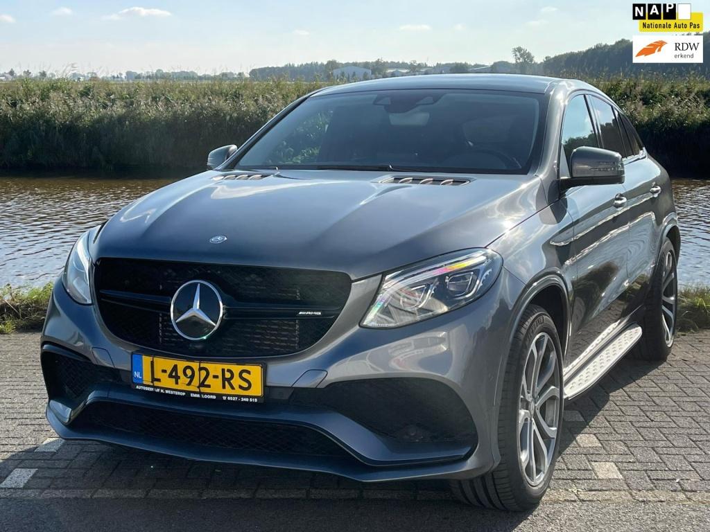 Mercedes-Benz-GLE-thumb