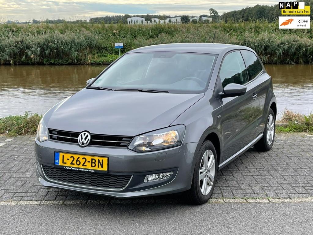 Volkswagen-Polo-thumb