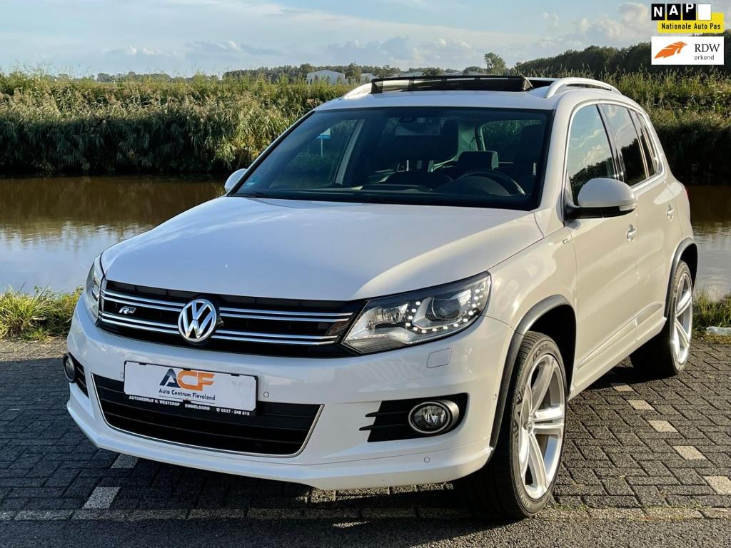 Volkswagen-Tiguan-thumb